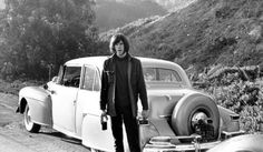 What drives Neil Young? Exclusive interview: Expat-Canadian rocker Neil Young tries to reconcile his lifelong love of cars with a burning desire to save the planet. Neil Young, Audio Music, My Music, Automobile, Young Park, Topanga Canyon, Linda Ronstadt, Lincoln Continental, Forever Young