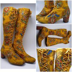 Antike Griechische Sandalen mit Schnürung am Bein gold