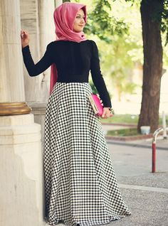 Ladies hijab skirts that can be comfortable For Muslim Women Skirt models Arab Fashion, Islamic Fashion, Muslim Fashion, Modest Fashion, Hijab Abaya, Hijab Dress, Modest Outfits, Skirt Outfits, Casual Dresses