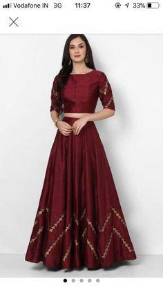 Ideas dress simple long crop tops - Ideas dress simple long crop tops Source by - Indian Outfits Modern, Indian Designer Outfits, Indian Wedding Outfits, Bridal Outfits, Pakistani Outfits, Long Gown Dress, Lehnga Dress, The Dress, Lehenga Gown
