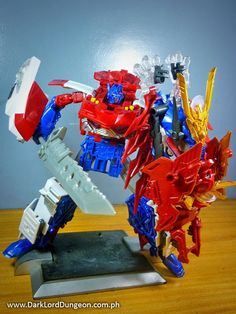 Transformers Go Optimus Prime looks really good with those swords, and has a fair amount of articulation to back up their use. #Transformers #TransformersGO #OptimusPrime #OptimusExPrime