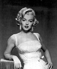 Marilyn Monroe photographed by John Florea ~ 1953