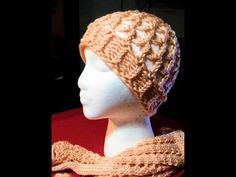 How to Loom knit the Spring Breeze Slouchy Hat. It is a great hat without the need to cover from cold but still going out in style. Phototutorial Loom Along ...