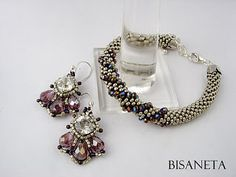 swirl with larger beads only on small focal  section - Bisaneta