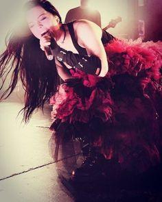 Amy Lee - Evanescence 🎤🎹🎸🎼🎻🎧 #amylee #amyleehartzler #amyleefans #evanescence #evfan #evfans #evanescencefan #amyleeevanescence #evhead #amyleeev #music #rock #gotic #metal #amylynnlee #evfamily #rockqueen #rockgvoddess #evlovers #evlove #live #livemusic #theopendoor #fallen #anywherebuthome #show #concert #evanescenceisback #evanescenceforever #evanescencefans