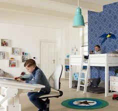Lifetime bureau verstelbaar,halfhoogslaper hout kleur:wit. Stoere jongens slaapkamer,tekenen op een handig bureau. www.theobot.nl