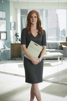 Donna Paulsen from 'Suits'. Suits Series, Suits Tv Shows, Suit Fashion, Work Fashion, Fashion Outfits, Fashion Tips, Suits Episodes, Donna Suits, Stewardess Costume
