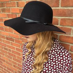Get ready for fall in our gorgeous NEW hats from @sandiegohatcompany!  IN STOCK NOW! Call to purchase (304)525.2204 #vcstyle #shopvc #ootd #lotd #whatiwore #mu #westvirginia #wv #huntingtonwv #womensstyle #womensfashion #fashion #streetstyle #style #stylist #boutique #boutiqueshopping #instacool #instadaily #instastyle #instafashion #igers #fall16 #onlineshopping #igshop #shopping #instashop #instalike #sandiegohatcompany