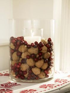 nuts_and_cranberries.jpg - Grace Clementine / The Image Bank / Getty Christmas Gift Decorations, Christmas Gifts For Men, Xmas Crafts, Christmas Foods, Holiday Fun, Holiday Ideas, Christmas Ideas, Festive, Decorating On A Budget