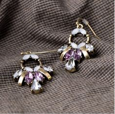 Vintage Crystal Flower Drop Earring Design  RP 55.000 Material : crystal FOR ORDERING WA OR TEXT 087875164760