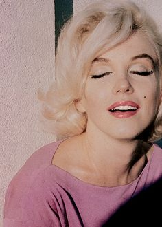 missmonroes: Marilyn Monroe photographed by George Barris, 1962.