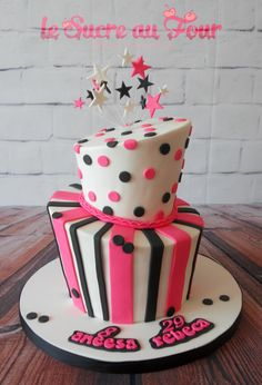 Topsy-turvy sharp edge cake. Pink white and black-Le sucre au four