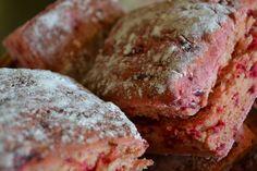 Baka det maffiga drakblodsbrödet med rödbetor. Läs #recept på http://skillnadenstradgard.blogspot.se/2014/08/haftigt-drakblodsbrod.html.