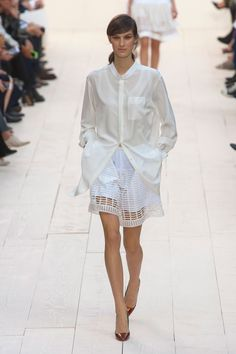 Chloé at Paris Fashion Week Spring 2013 - Runway Photos Chloe, Passion For Fashion, Catwalk, Lace Skirt, Fashion Show, Paris Fashion, Ideias Fashion, Cover Up, Bell Sleeve Top