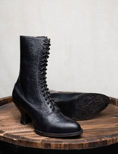 Black Victorian Style Oak Tree Farms Handcrafted Full Grain Leather Lace-Up Boots