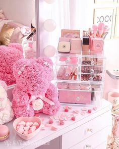 Rose Gold Aesthetic, Baby Pink Aesthetic, Room Ideas Bedroom, Bedroom Decor, Pink Vanity, Makeup Room Decor, Ideas Hogar, Cute Room Decor, Pink Room