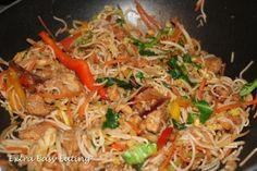 Extra Easy Eating: Chicken & Prawn Stir-fry - Slimming world recipes - Slimming World Stir Fry, Slimming World Recipes Extra Easy, Slimming World Menu, Slimming World Curry, Slimming Recipes, Healthy Foods To Make, Healthy Eating Recipes, Cooking Recipes, Healthy Meals