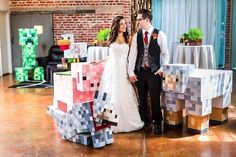 I've always thought that having some sort of geeky wedding would be really cool, but not being a Minecraft person, the idea of a Minecraft wedding has never crossed my mind. However, after seeing this couple's Minecraft wedding, I think Read More . Geek Wedding, Quirky Wedding, Craft Wedding, Wedding Show, Wedding Pics, Dream Wedding, Wedding Ideas, Wedding Themes, Wedding Stuff