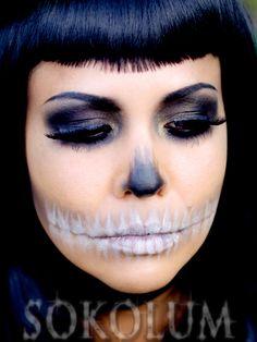 Eyedolize Makeup: 8 Ways to Make Your Halloween Skeleton Makeup Feminine & Beautiful Halloween Skeleton Makeup, Halloween Makeup Looks, Halloween Skeletons, Halloween Make Up, Halloween Ideas, Halloween 2016, Halloween Costumes, Skull Makeup, Sfx Makeup