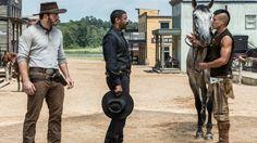 Szene aus Die glorreichen Sieben: Chris Pratt, Denzel Washington, Martin…