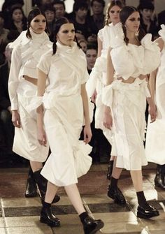 Comme Des Garcons Fall/Winter 2003/04