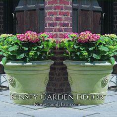 Certosa Medallion Planter Outdoor Cast Stone | Kinsey Garden Decor