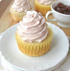 lemon cupcakes with strawberry meringue buttercream