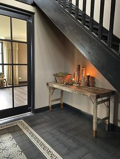 Black Staircase, Black And White Interior, Window Frames, Ping Pong Table, Rustic Interiors, Stairways, Dining Bench, Entryway Tables, Sweet Home