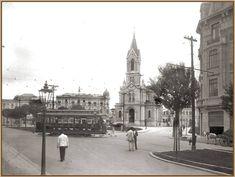 cruzamento da São João com o largo do Paissandu em 1930, onde vemos a igreja de Nossa Senhora do Rosário dos Homens Pretos, e um bonde adentrando à rua Conselheiro Crispiniano - Sao paulo - Brasil
