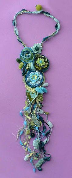 flower crochet necklace...by Elena Fiore