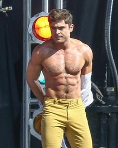 Zac Efron Strips Down AGAIN For 'Dirty Grandpa' | Instinct