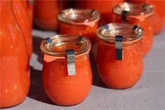 Bocal Weck avec sauce tomate maison. http://www.tompress.com/A-83-bocaux-weck-1-5-de-litre-par-12.aspx