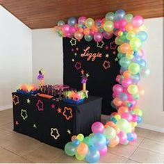 Neon Birthday, Birthday Party For Teens, 14th Birthday, Neon Party Decorations, Girl Birthday Decorations, Party Themes, Party Ideas, Glow In Dark Party, Glow Party