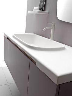 #Karol propone #Midì un #mobilebagno che si distingue per i suoi tratti essenziali e compatti, il #design ed i materiali sono moderni e regalano al tuo #bagno atmosfere contemporanee ed eleganti -  www.gasparinionline.it - #bathroom #interiors #arredamento #lavabo #moderndesign #style #madeinitaly