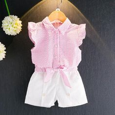 Girls Clothing Sets Summer Fashion Kids Clothes Girls Sleeveless Striped bow-knot T-shirt+White Short Suits Toddler Outfits, Kids Outfits, Toddler Dress, Seersucker Shirt, Baby Girl Patterns, T Shirt And Shorts, Plaid Shorts, Baby Kind, Girly