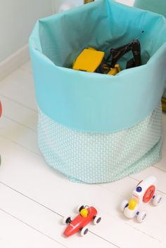 Easy DIY fabric bucket, great for storing toys