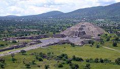 La Piramide del Sol Teotihuacana