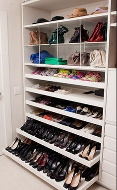 Master closet 65 the best shoes rack design ideas that are trending today 40 How Ozone Air Purifiers Best Shoe Rack, Shoe Cupboard, Regal Design, Closet Remodel, Master Bedroom Closet, Rack Design, Walking Closet, Dream Closets, Closet Designs