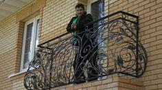 http://vasiliy-kovka.ru/foto-khudozhestvennoy-kovki/kovanye-balkonnye-ograzhdeniya-ot-vasiliya-sedova