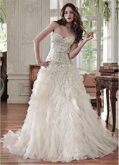 Elegant Tulle Sweetheart Neckline Ruffled A-line Wedding Dresses With Embroidery
