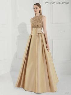 Love the colour 😍 Bridesmaid Dresses, Prom Dresses, Formal Dresses, Couture Dresses, Fashion Dresses, Ball Dresses, Beautiful Gowns, Occasion Dresses, Elegant Dresses