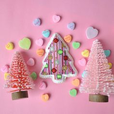 This little tree is as sweet as can be!! xxB&B #tree #stitch #valentinesday #needlepoint