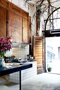 Source: Snickarbacken 7 Check out this awesome little Cafe in Stockholm called Snickarbacken An old renovated stable, its part of a bigger venue which also houses boutique shops and an art gallery. Cafe Interior, Interior Exterior, Exterior Design, Interior Architecture, Centre Commercial, Commercial Design, Commercial Interiors, Cafe Restaurant, Restaurant Design