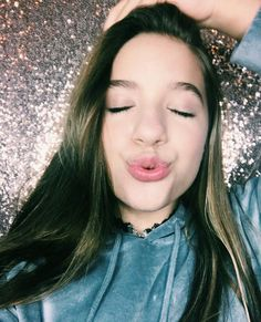 She gets her beauty all from Melissa and mads Mackenzie Ziegler, Dance Moms Mackenzie, Maddie And Mackenzie, Maddie Ziegler, Dance Moms Dancers, Dance Moms Girls, Dance Mums, Tween Fashion, Fashion Models