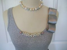 Items similar to Embellished Pearl Tank Top in Gray with Silver Bow on Etsy Chudidhar Neck Designs, Dress Neck Designs, Blouse Designs, Diy Clothes Design, Diy Accessoires, Silver Bow, Embellished Top, Sewing Clothes, Refashion