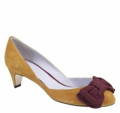 ANITA BOW PUMP by: Johnston and Murphy