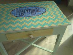 viejo escritorio restaurado con mosaicos. Ana Aguiar Taller