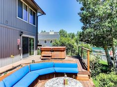 Outdoors is as comfortable as in.  Conversation pit and Hot Tub are right out the back doors 5b/ $2400
