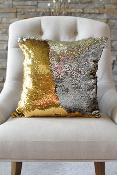 The possibilities are endless for this pillow! Create elegant designs…