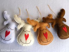 Set of 4 Reindeers  Christmas ornaments by acasadoguaxinim on Etsy, €10.00